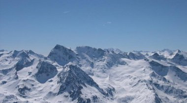 Valgrisench heli-skiing on la grande rousse mountain