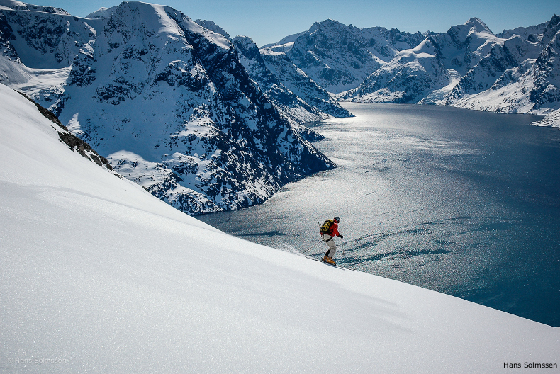 heli-skiing in greenland near the fjords