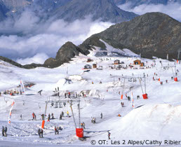 glacier and summer skiing in les-deux-alpes