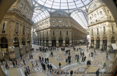 city breaks, holiday rentals, shopping centre in Milan, Duomo
