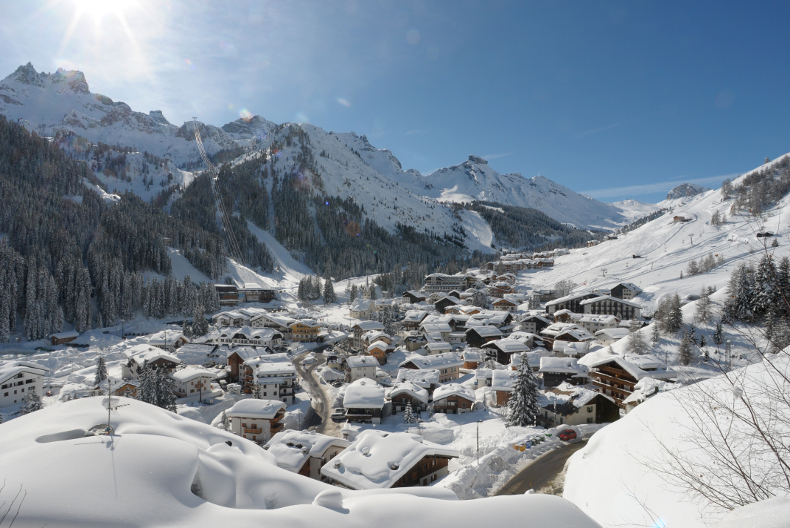 skiing in italy, ski holiday chalet accommodation