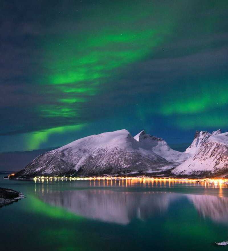 ski holidays in norway, northern lights