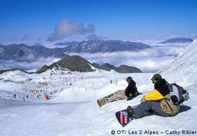 ski holidays, glacier skiing, ski resorts for summer skiing