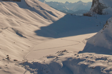 bernese oberland ski tour to kendersteg via the gemni pass