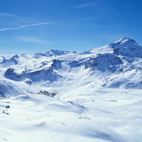view of the piste and mountains at Tignes