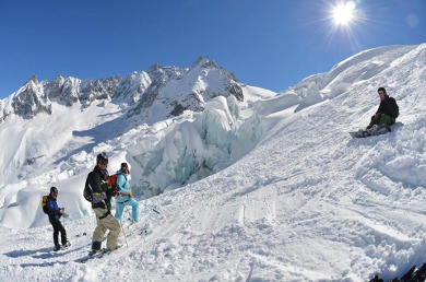 off-piste ski tours on the vallee blanche