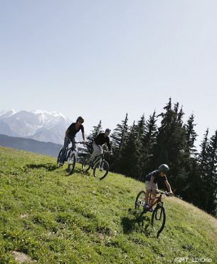 mountain biking in megeve, summer holidays