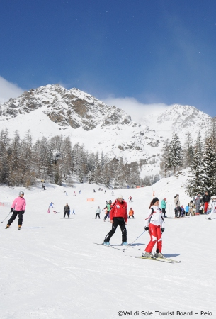 ski holidays in peio, val di sole, skiing, ski chalets for rent